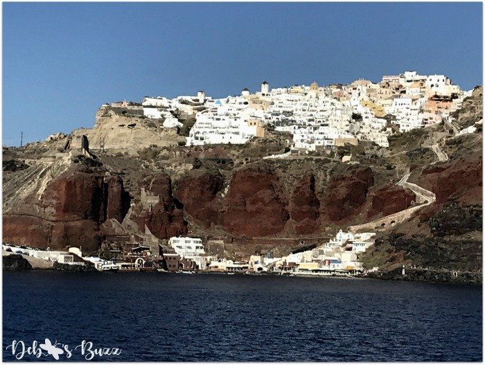 Athinios-Port-ferries-Santorini