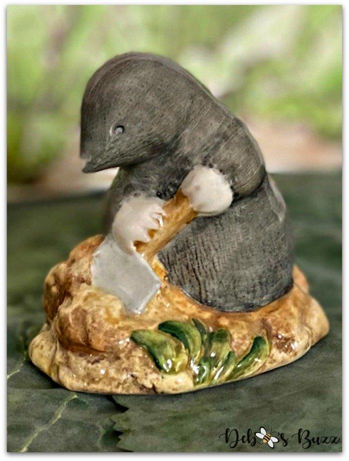 Beatrix-Potter-figurine-Diggory-Diggory-Delvet
