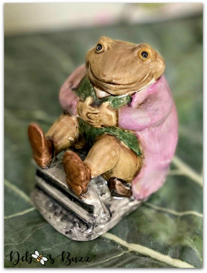 Beatrix-Potter-figurine-Mr-Jackson-frog