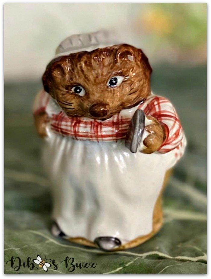 Beatrix-Potter-figurine-Mrs-Tiggy-Winkle