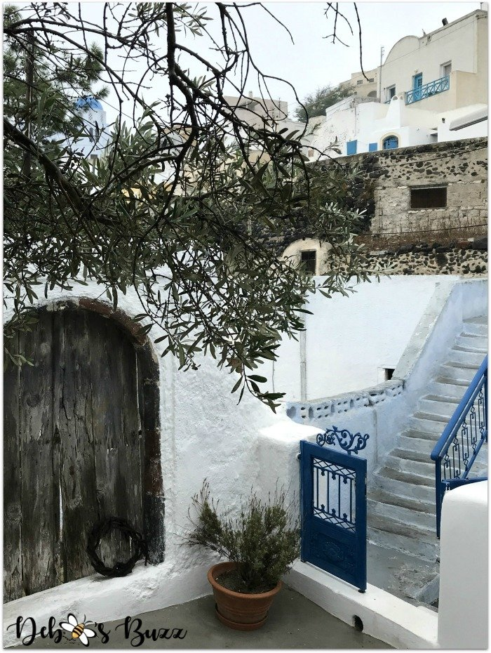 Santorini-Greece-blue-gate