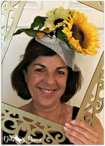 photo-booth-yellow-sunflower-floral-fascinato