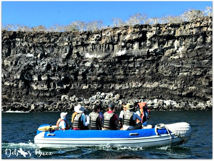 Galapagos-El-Barranco-panga-ride