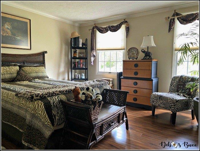 safari-theme-bedroom-window-wall