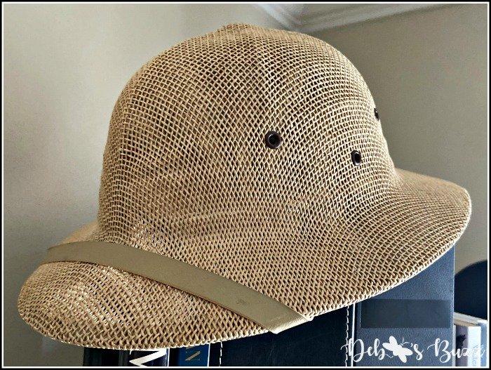 safari-decor-pith-helmet
