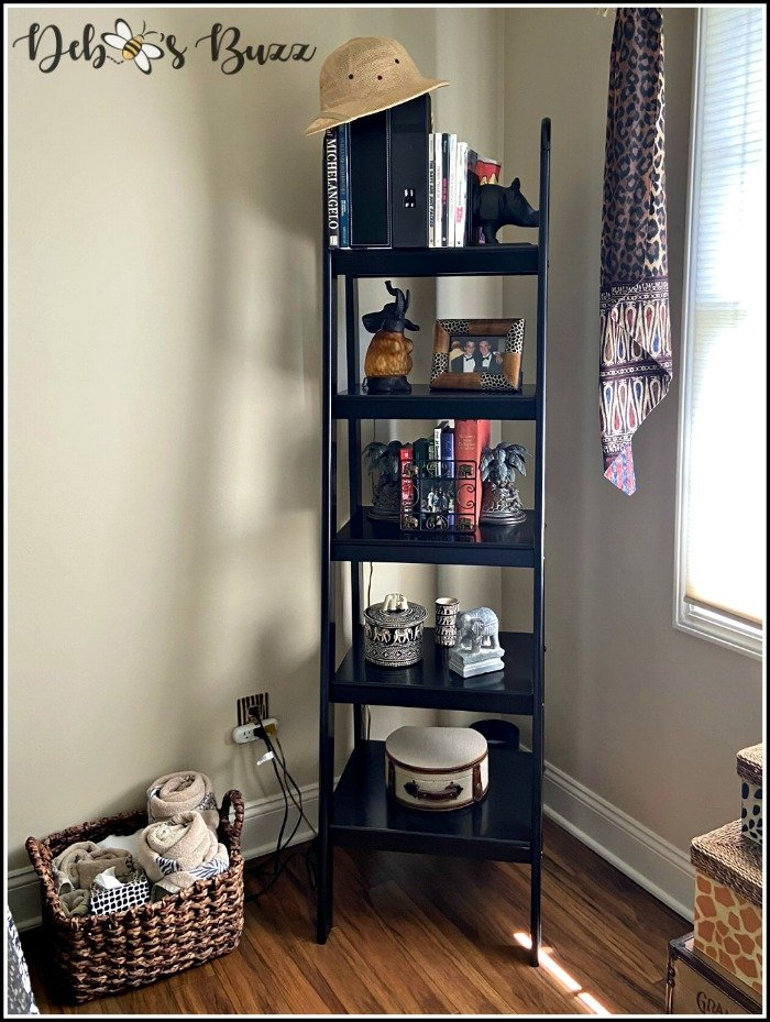 safari-theme-bedroom-corner-bookshelf-unit