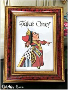 Queen-of-Hearts-sign-take-one