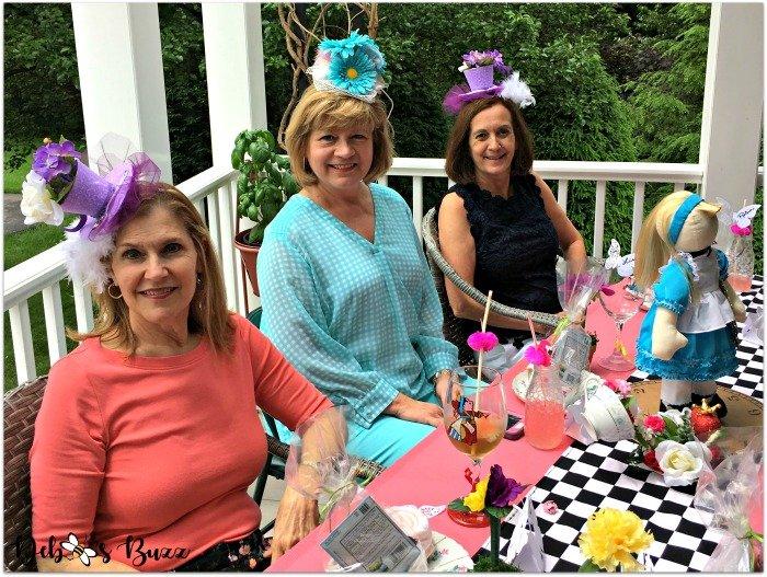 Wonderland-porch-unbirthday-party-alice-table-friends