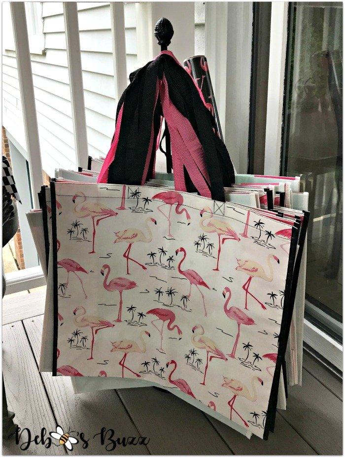 alice-in-wonderland-party-favor-flamingo-bag