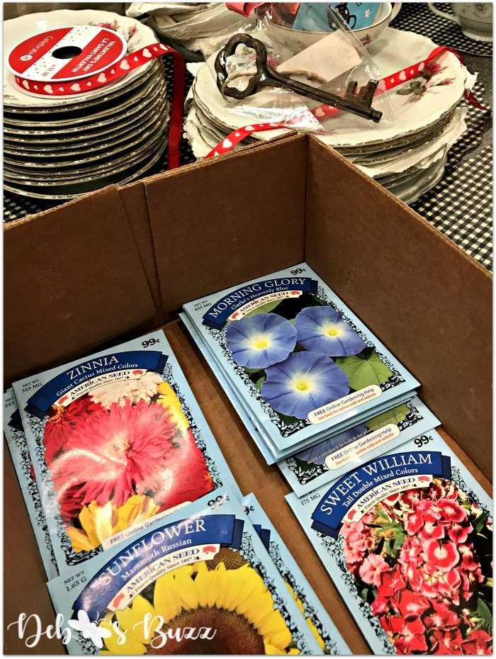 alice-in-wonderland-party-favor-seed-packets