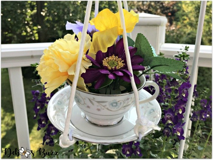 diy-vintage-teacup-decor-outdoor-hanging-arrangement