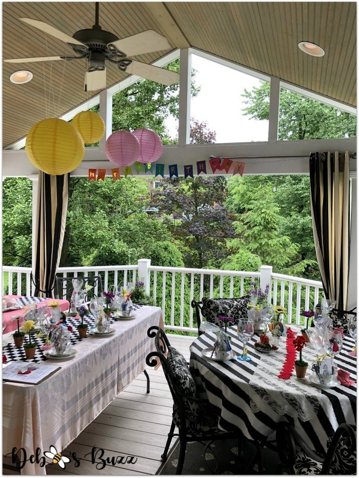 wonderland-party-decorated-porch-unbirthday-party