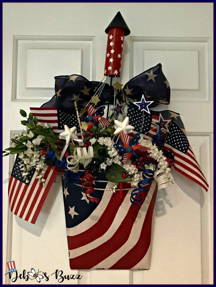 Independence-Day-door-hanging-wreath-firecracker