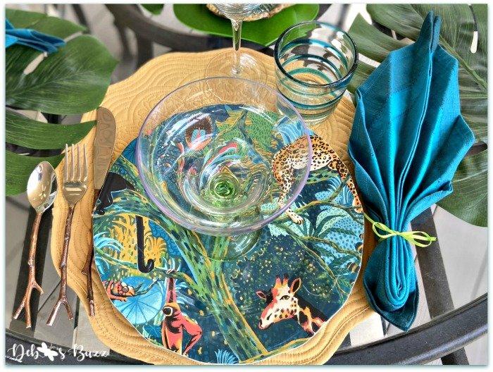 Summer Jungle Table & Palm Leaf Napkin Fold