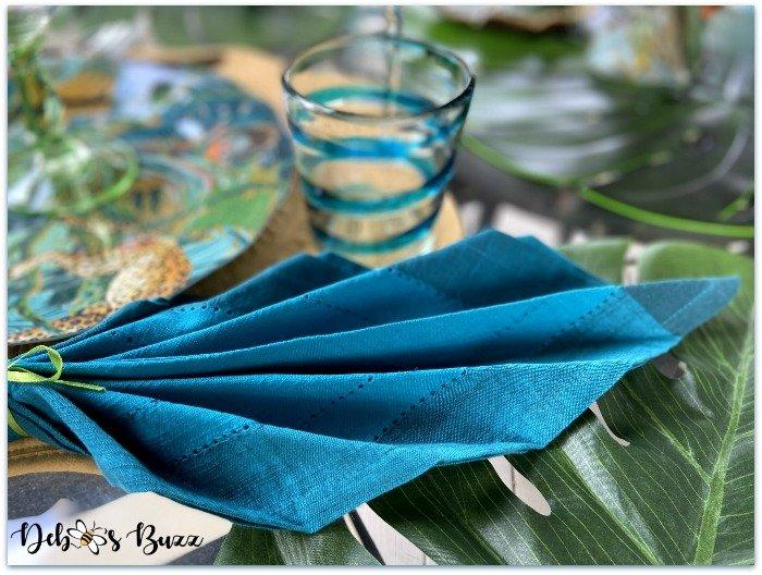 summer-safari-table-palm-napkin-fold-side-view
