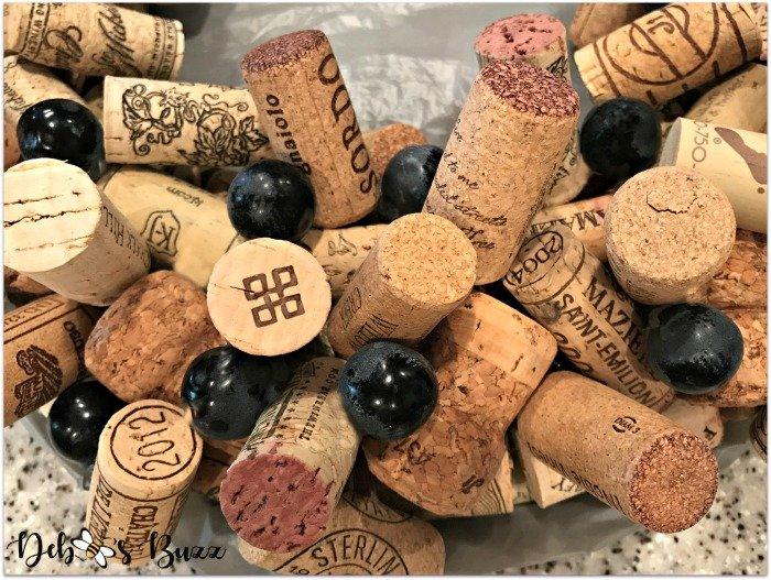 wine-cork-wreath-closeup