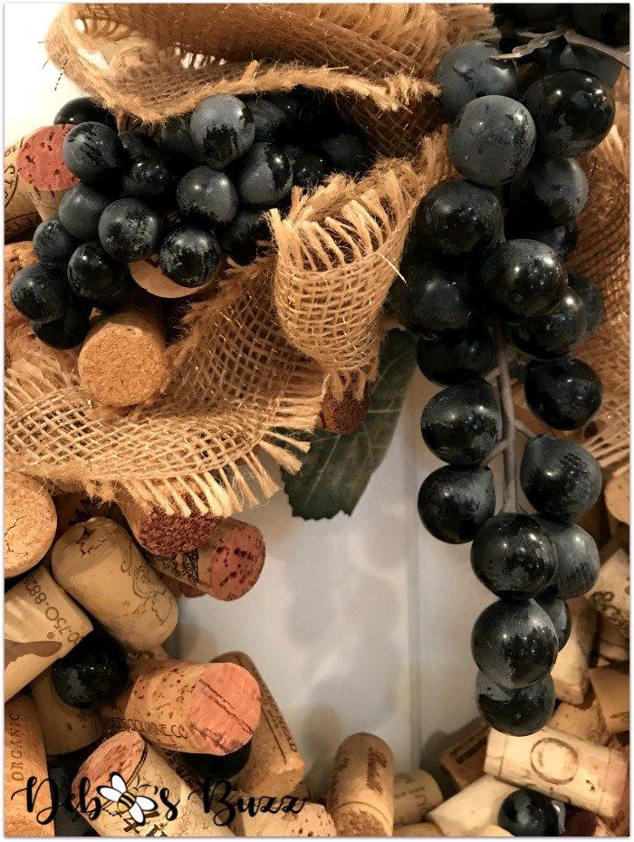 wine-cork-wreath-details