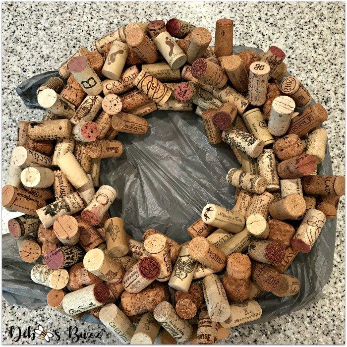wine-cork-wreath-vertical-attachments