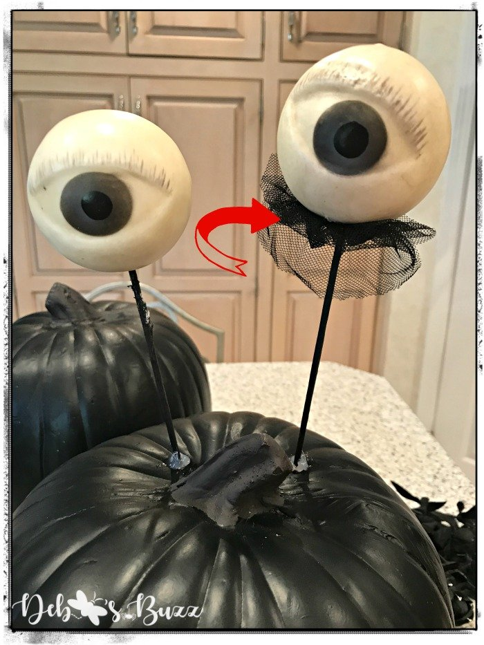 add-lace-eyeballs-Halloween-black-pumpkin-decor