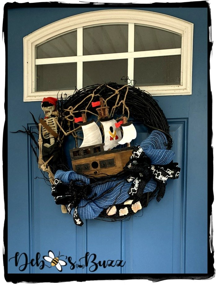 diy-Halloween-black-grapevine-wreath-skeleton-shipwreck-pirate-wreath