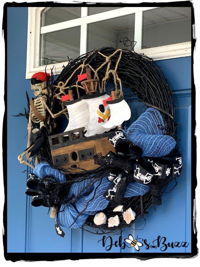 diy-shiver-me-timbers-sunken-shipwreck-pirate-wreath