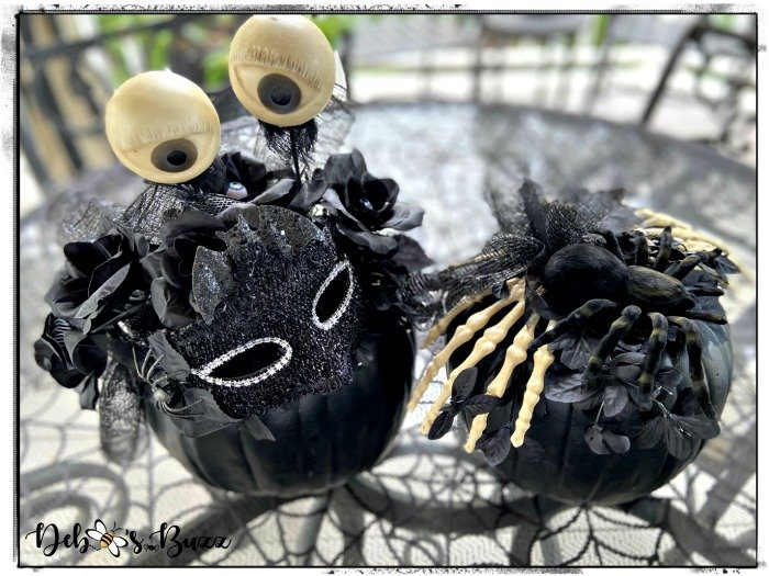 elegant-Halloween-decorated-black-pumpkin-pair
