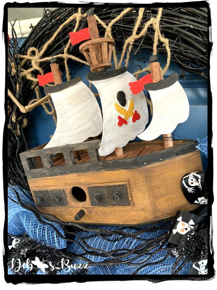 painted-pirate-ship-birdhouse-Halloween-wreath