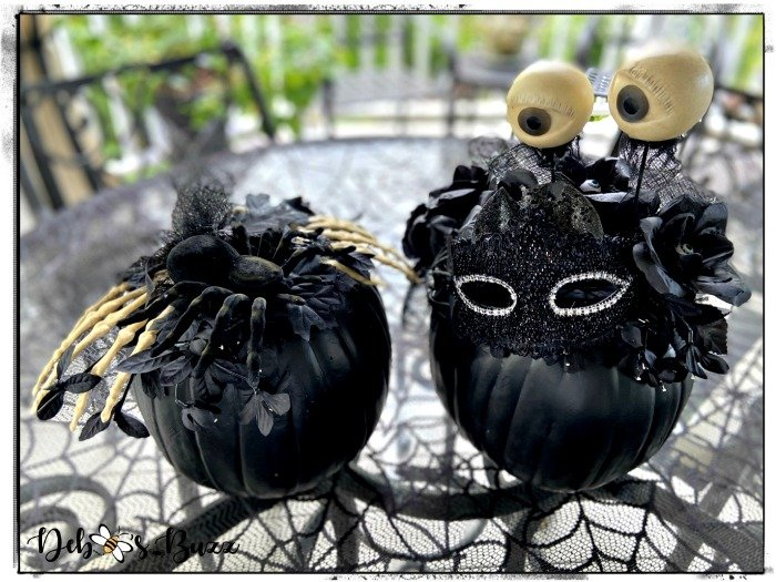pair-eerie-elegant-Halloween-black-pumpkin-decor
