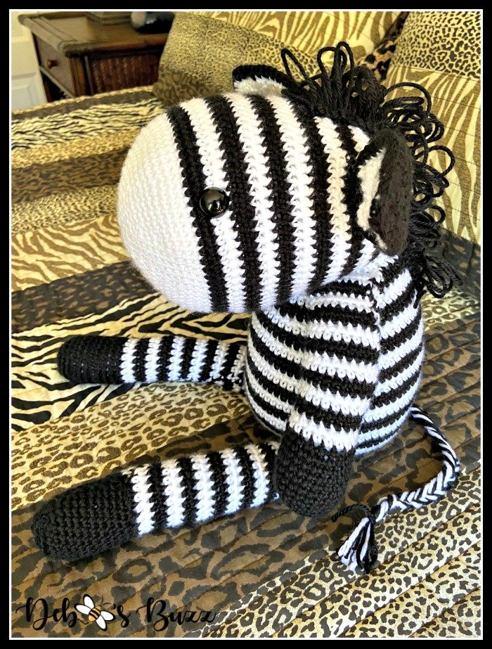 crochet-zebra-side-view-animal-print-bed