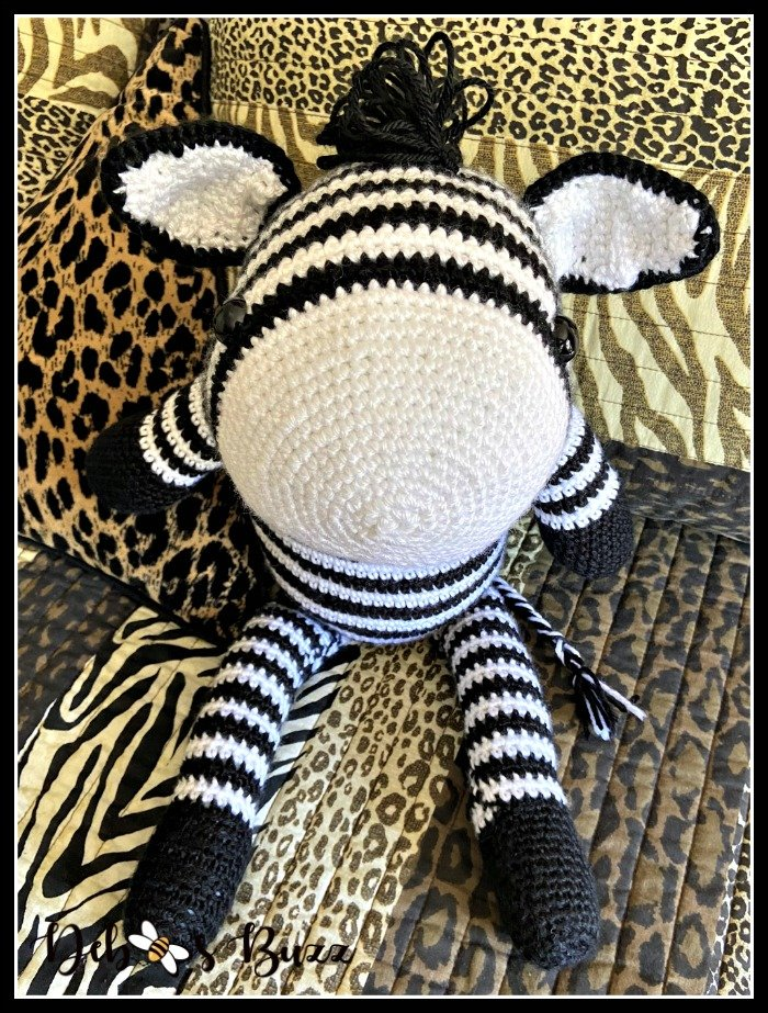 crochet-zebra-sitting-forward