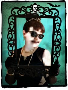 Halloween-deadly-diva-Debbee