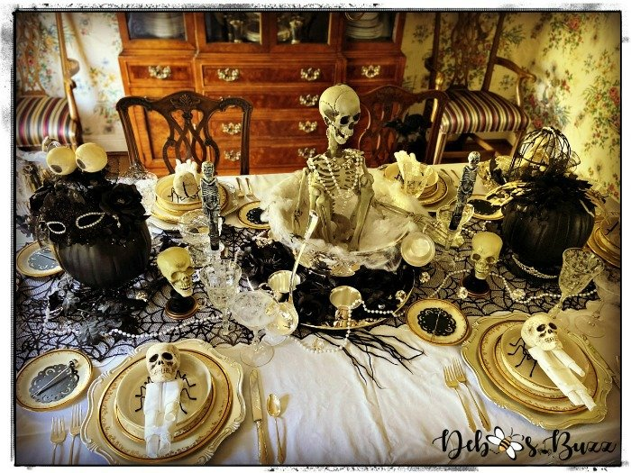 gorgeous-gothic-glam-halloween-table-centerpiece