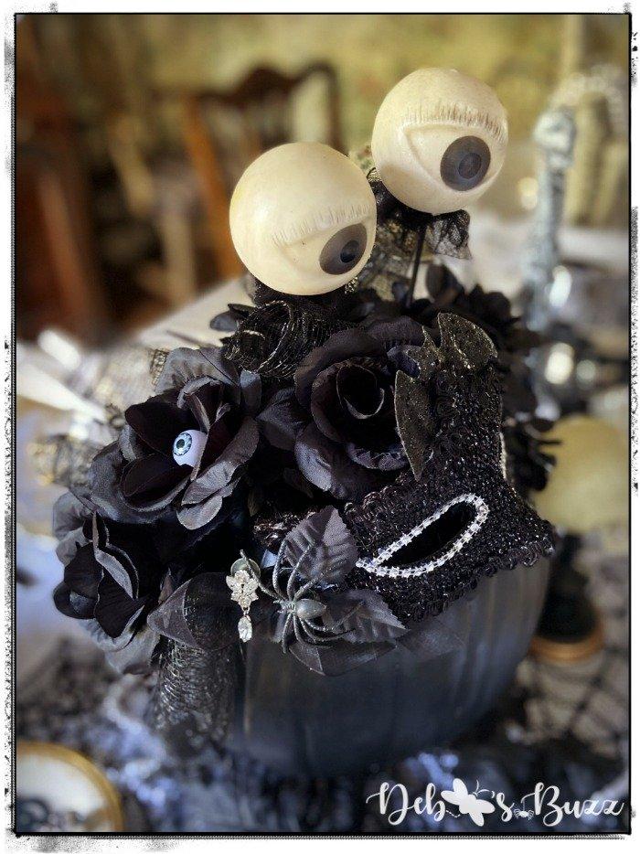 gothic-glam-halloween-table-eye-popping-black-pumpkin-centerpiece