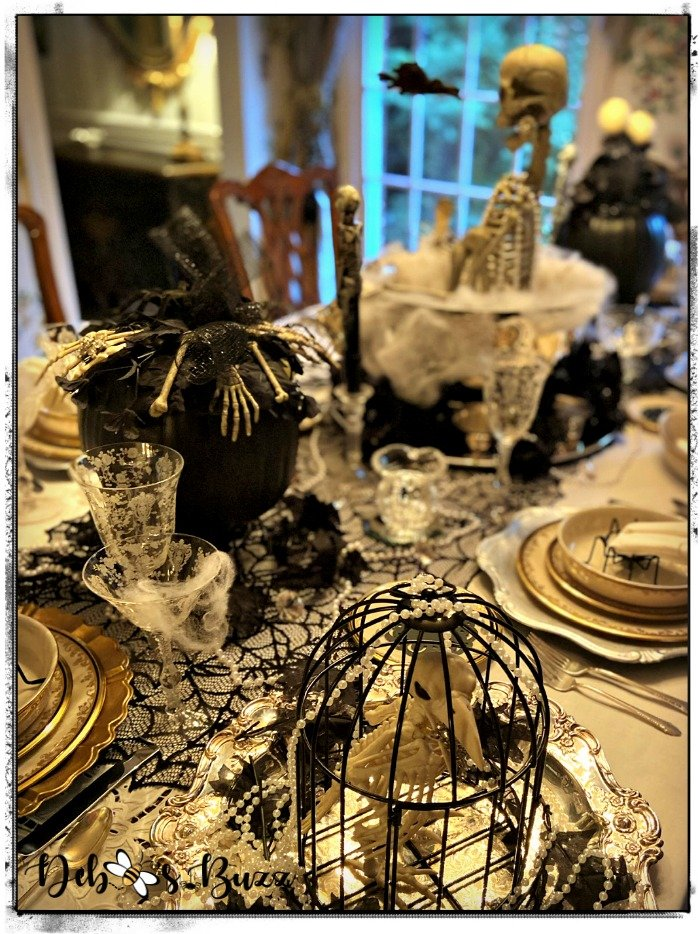 gothic-glam-table-halloween-skeleton-decorations