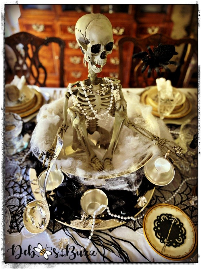 gothic-glam-halloween-table-silly-skeleton-punchbowl-centerpiece