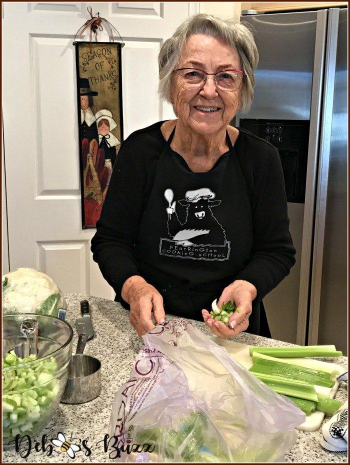 thanksgiving-mom-kitchen-prep