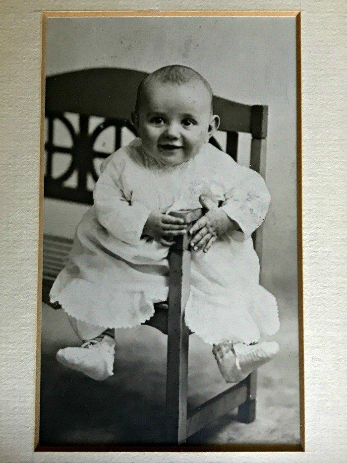 vintage-baby-photo