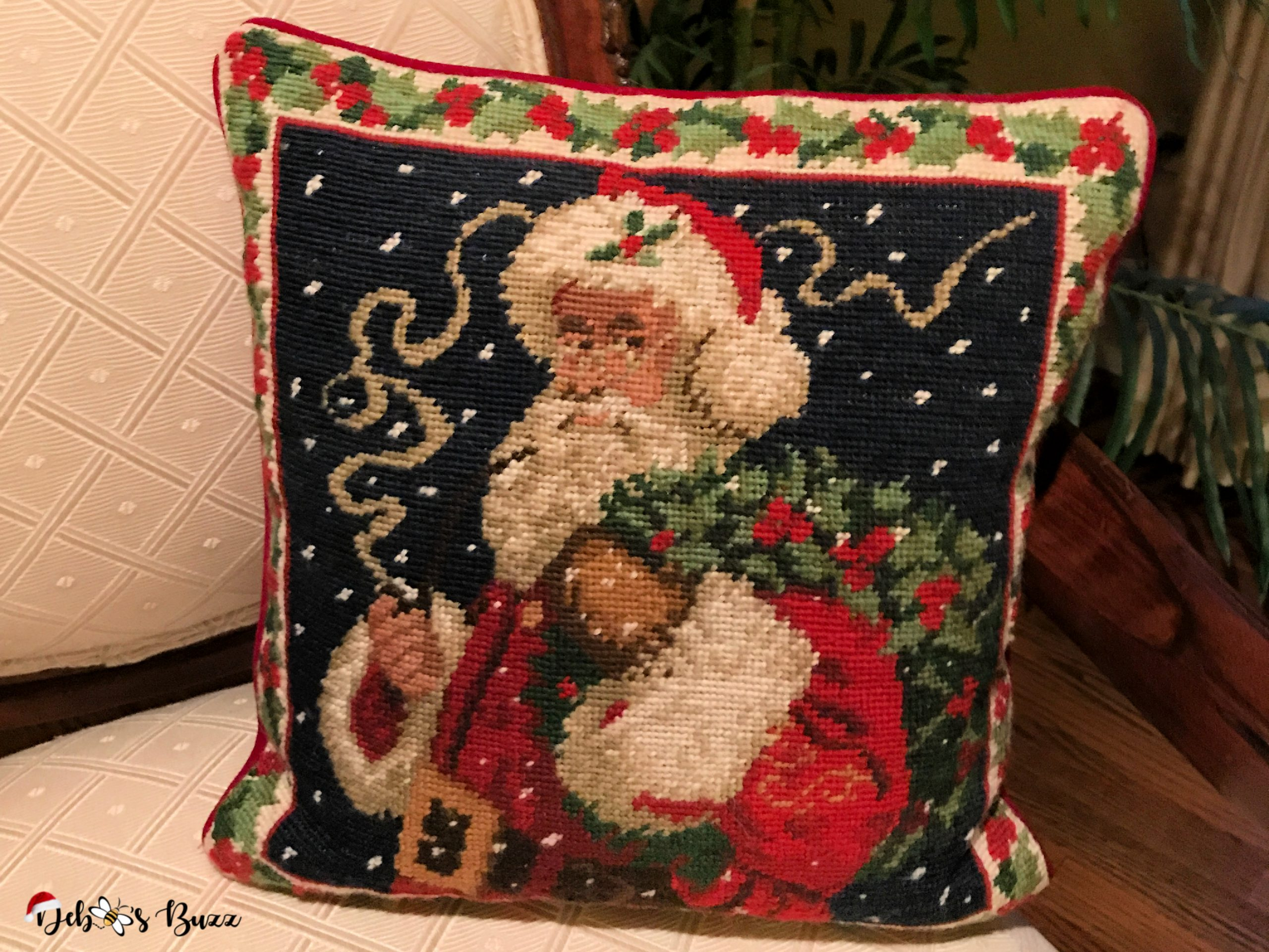 Santa-Claus-collection-needlepoint-pillow