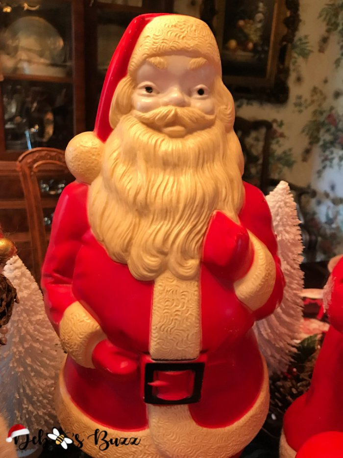 vintage-blow-mold-Santa-Claus-collection