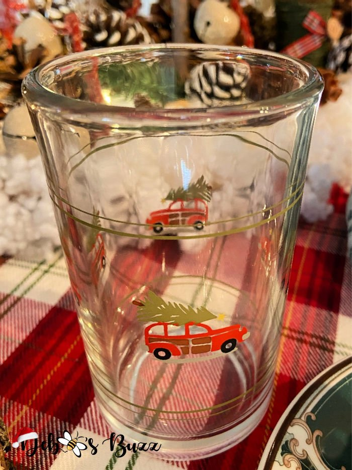 winter-woodland-tablescape-christmas-tree-glass