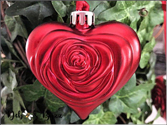 rose-embossed-red-heart-shape-ornament