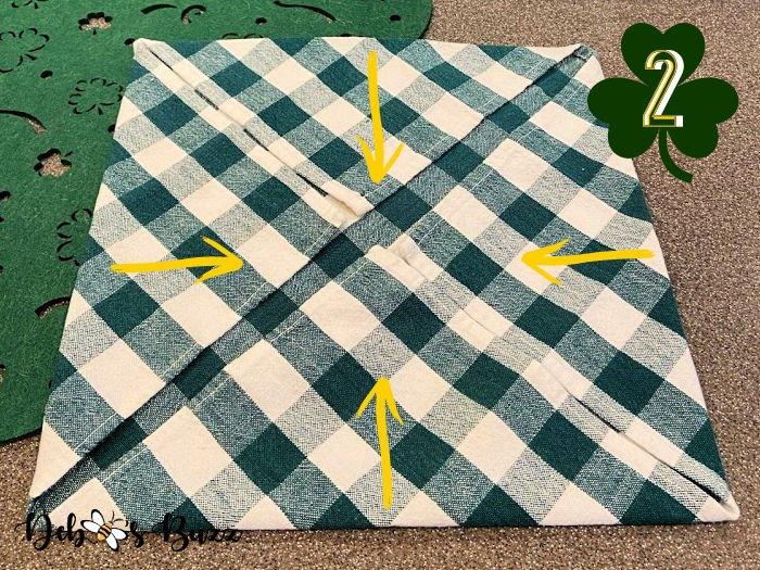 3-leaf-clover-napkin-fold-step-2