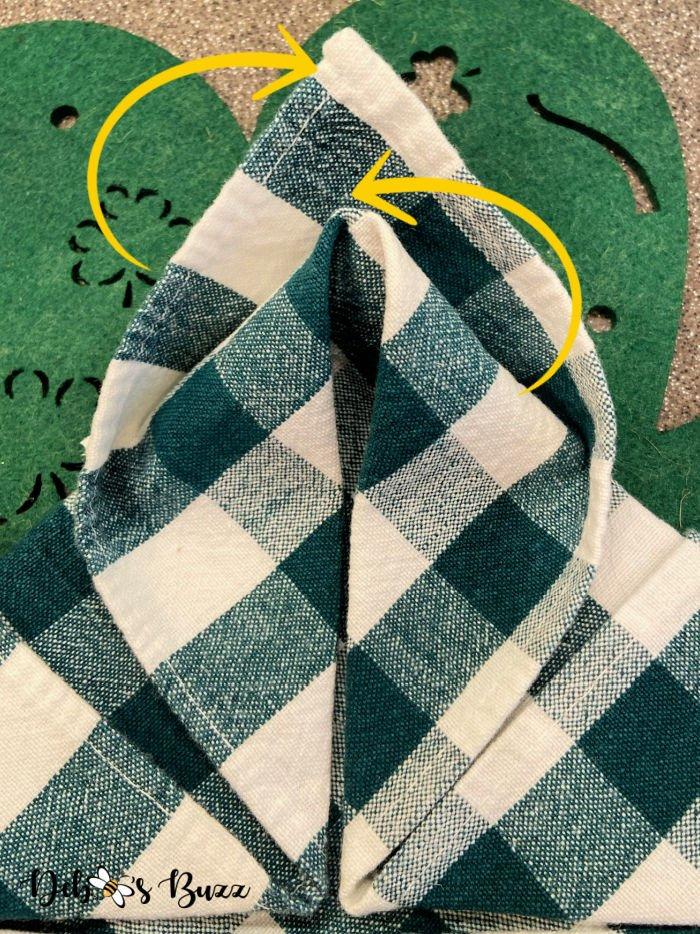 3-leaf-clover-napkin-fold-step-5-closeup