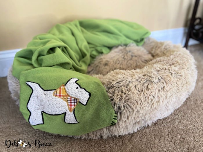 dog-bed-Scottie-blanket