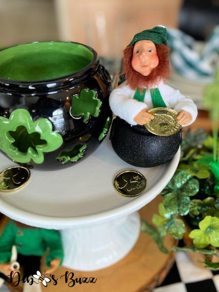 St.-Patrick's-Day-centerpiece-Kindle-leprechaun-pot-gold