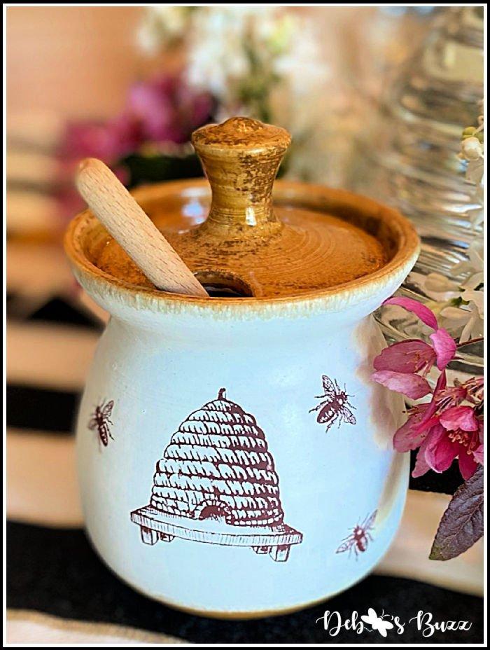 bee-theme-table-honey-pot-details