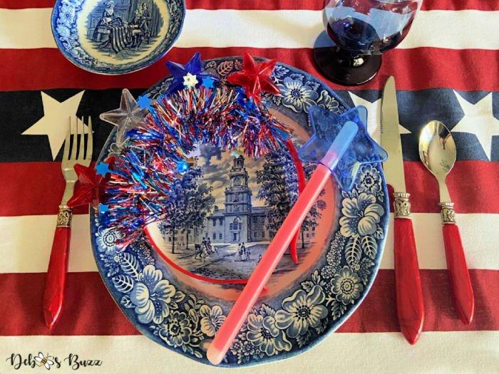 patriotic-decor-liberty-blue-plate-light-up-favors