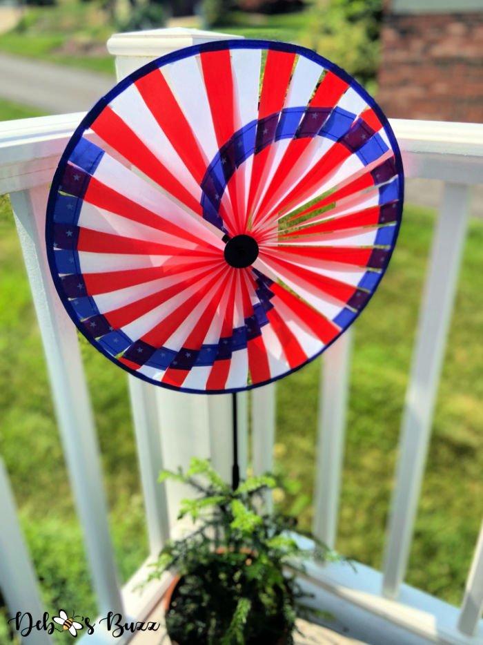 patriotic-decor-spinner