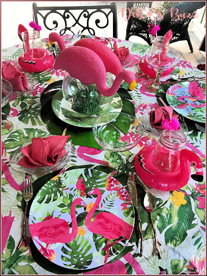 pink-flamingo-tropical-table-place-setting