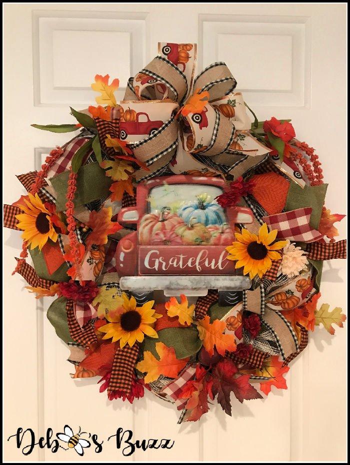diy-fall-wreath-mesh-ribbon-vintage-truck-sign